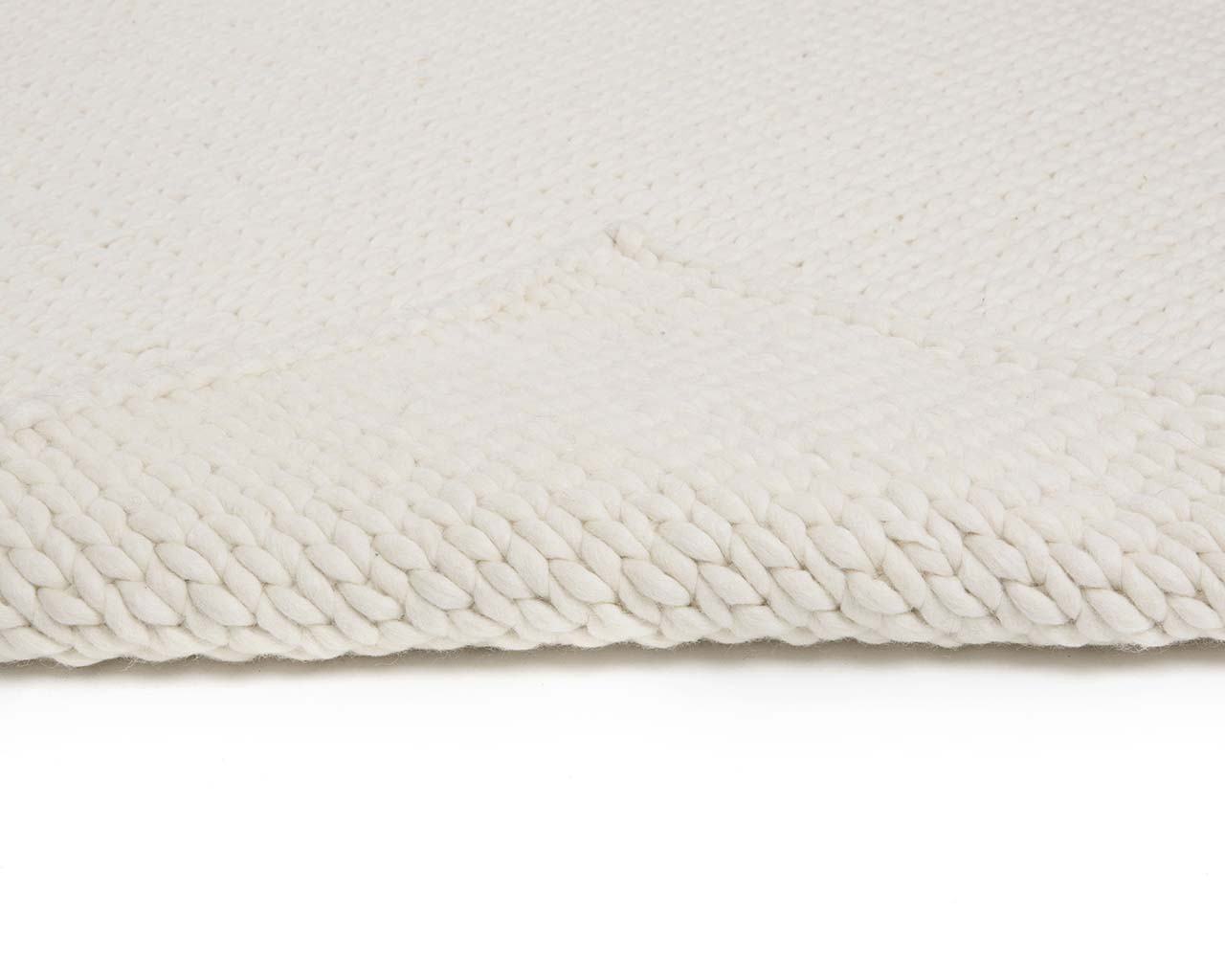 white woolen braided knitted soft antique carpets