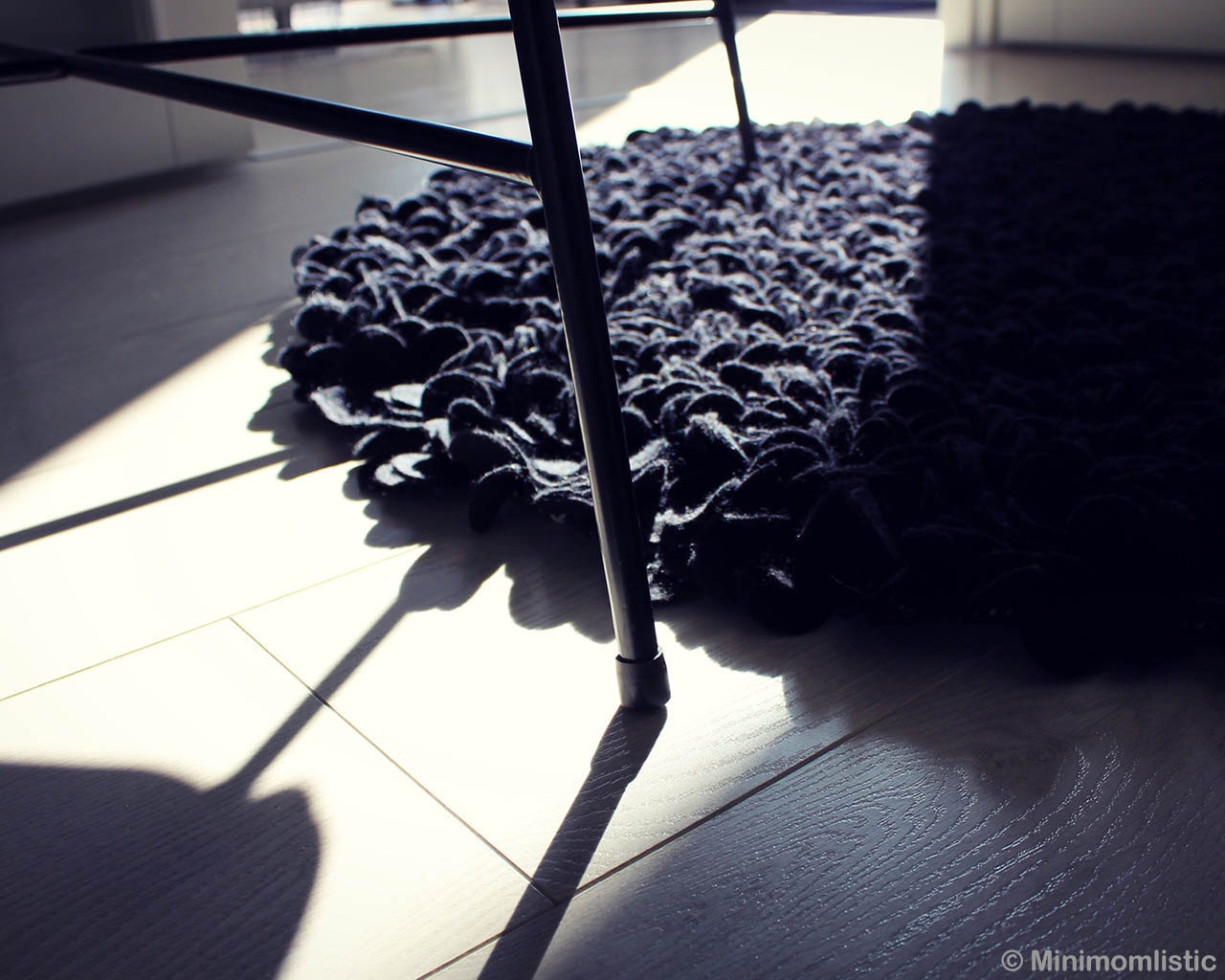 woolen steel chair eastern black round carpet