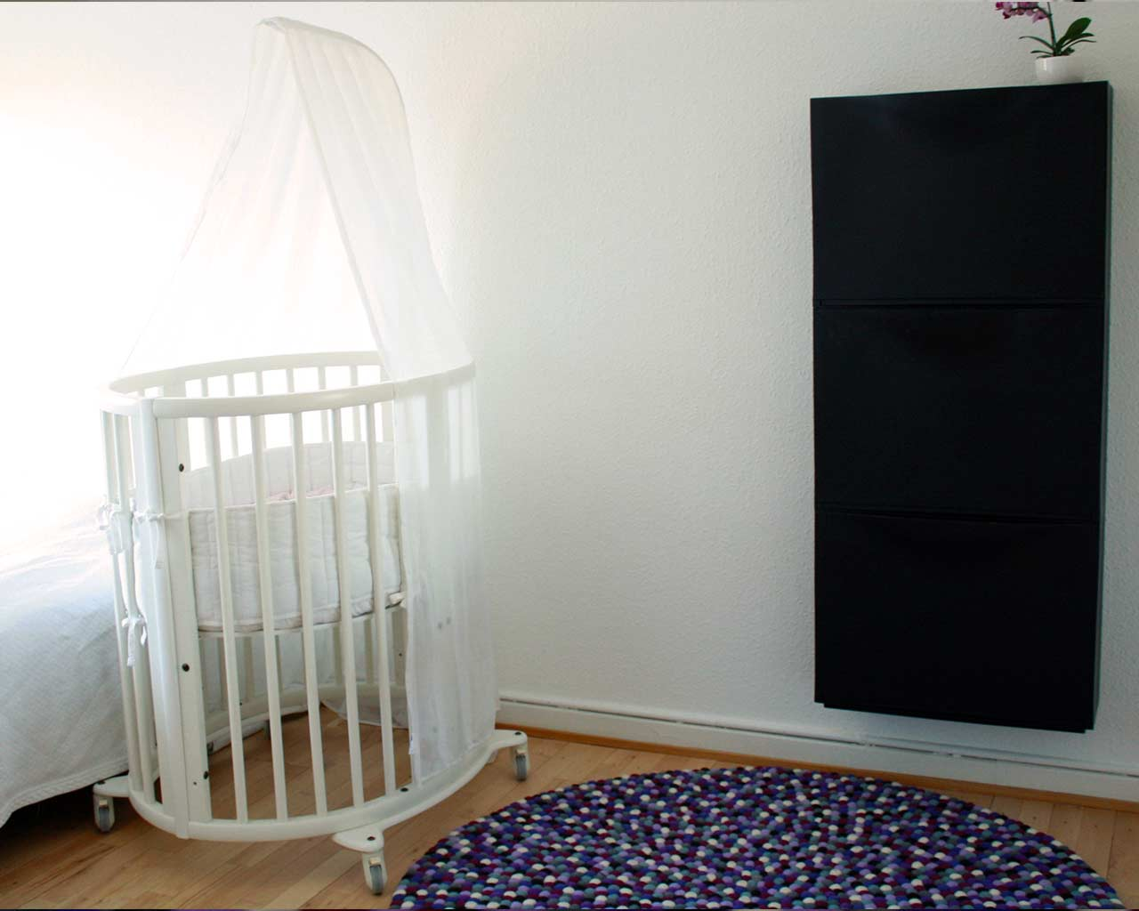 baba room design white black purple