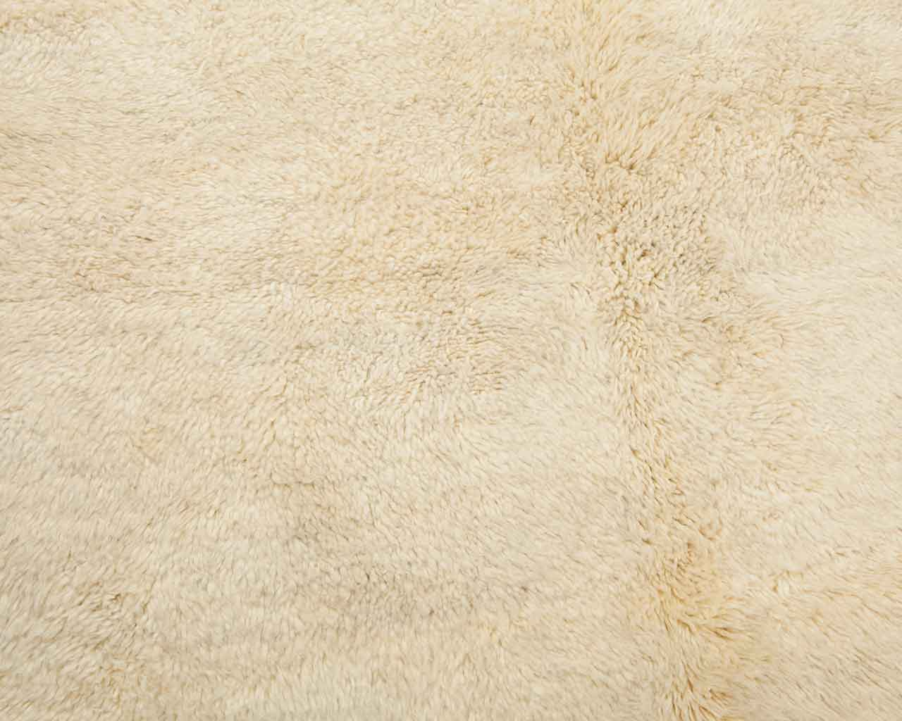 soft texture of berber white carpets 1